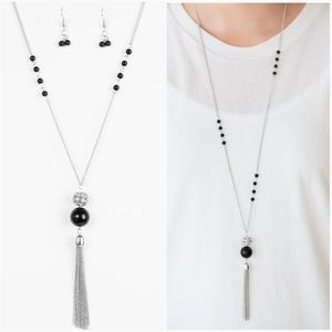 THE ONLY SHOW IN TOWN BLACK NECKLACE/EARRING SET